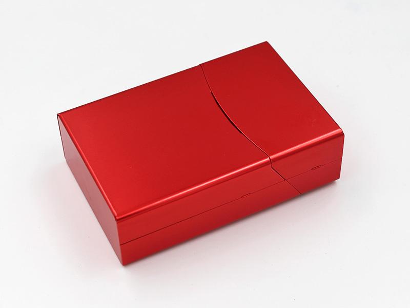 浮雕花紋翻蓋煙盒
